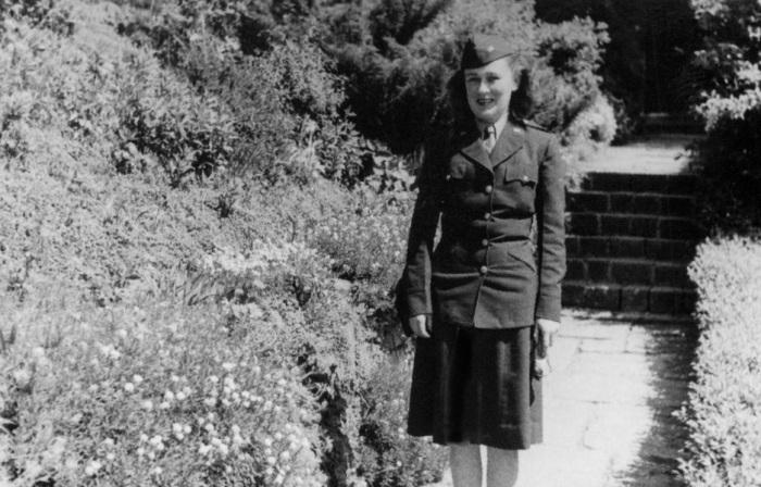 Η Μπιούρελ στο Χάιντελμπεργκ, Γερμανία. Μάιος 1945.